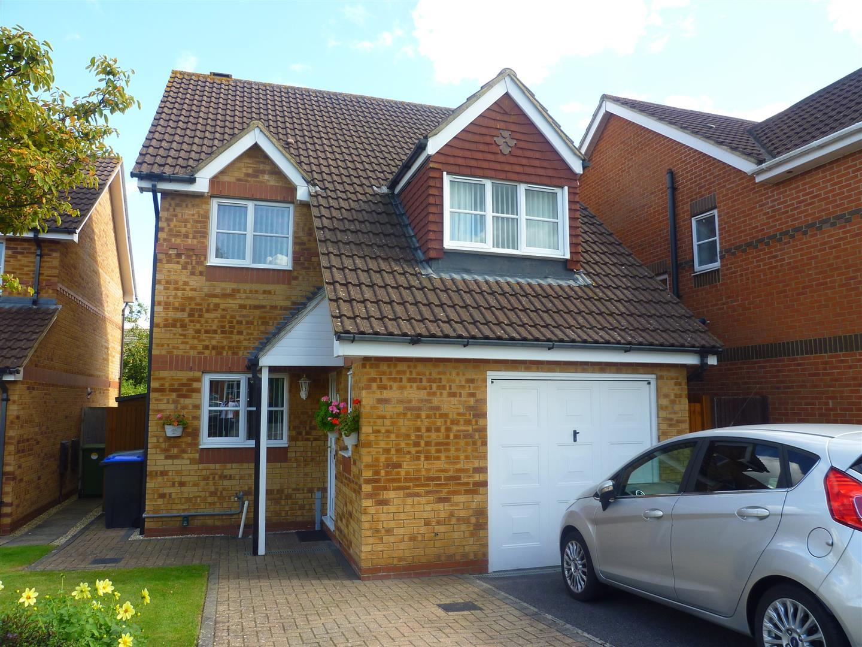 3 Bedrooms Detached House for sale in Hewitt Close, Trowbridge